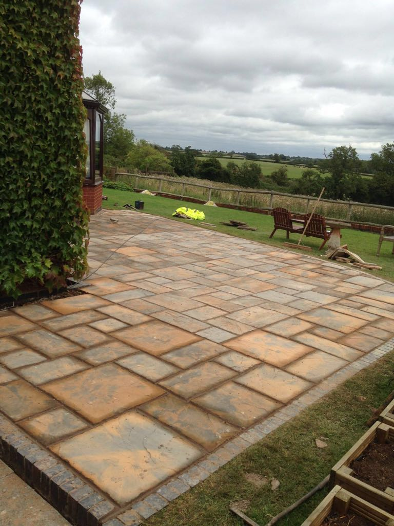 create-a-great-outside-space-to-relax-and-entertain-guests-by-worcester-paving-uk