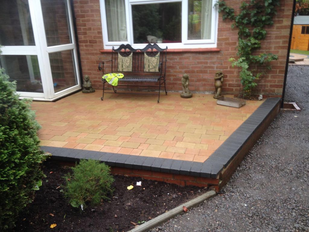 new-patio-on-the-back-of-a-house-in-worcester-uk