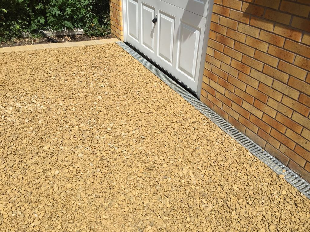 new finished gravel driveway by Paving Worcester Driveays